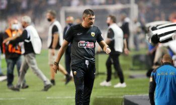 Απογοητευμένος ο Μιλόγεβιτς από την ήττα από τον ΠΑΟΚ.