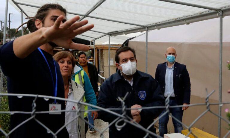 Μηταράκης: Εγκαινίασε τη νέα κλειστή-ελεγχόμενη δομή φιλοξενίας στη Σάμο