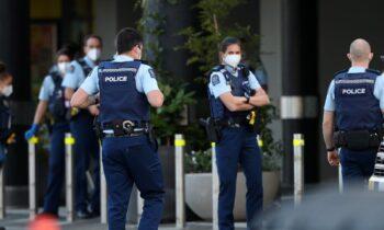 Τουλάχιστον τέσσερις άνθρωποι τραυματίστηκαν στη Νέα Ζηλανδία, μετά από επίθεση που δέχτηκαν από ένοπλο άνδρα ενώ βρίσκονταν σε σούπερ μάρκετ.