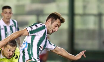 Ο Ζοζέ Μαουρίσιο ανοίγει το σκορ στο ματς του Παναθηναϊκού με τον Απόλλωνα Σμύρνης