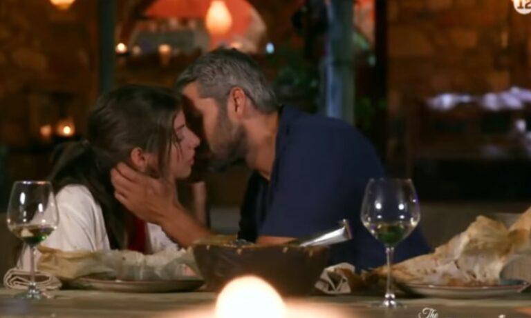 The Bachelor 2 – Βγήκαν «νύχια» στο ριάλιτι: «Είναι ύπουλη και φίδι» – Τα πήρε άγρια ο Αλέξης Παππάς