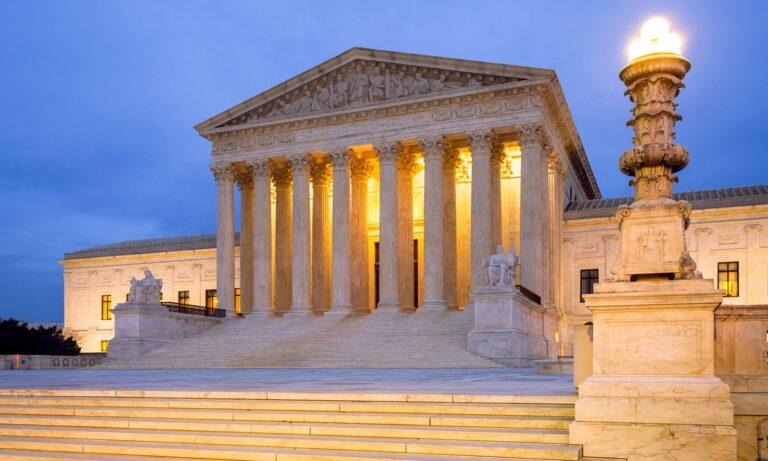ΗΠΑ: «Nαι» σε νόμο που περιορίζει εκτρώσεις στο Τέξας, αποφάσισε το Ανώτατο Δικαστήριο – Για «εξοργιστική απόφαση» μίλησε ο Μπάιντεν!