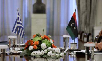 Ήταν η πρώτη φορά που η Ελλάδα συμμετείχε σε ρόλο παρατηρητή, σε σύσκεψη για τη Λιβύη - Εκνευρισμός στην Τουρκία