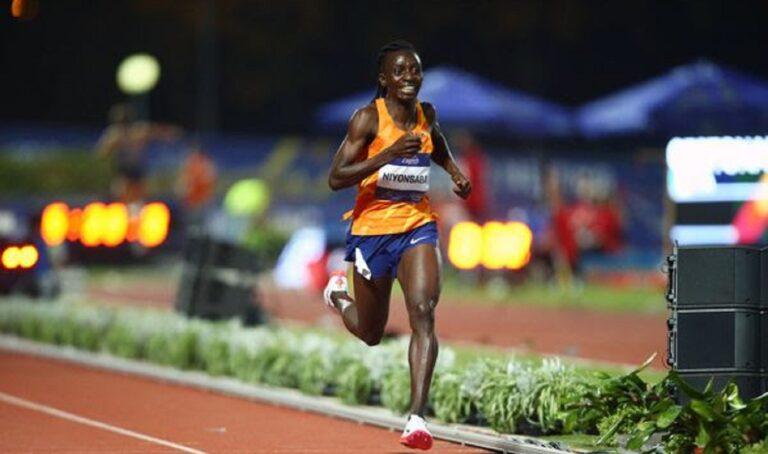 Σε ένα ανεπίσημο αγώνισμα, τα 2.000 μέτρα η Φράνσιν Νιονσάμπα έκλεισε μια εντυπωσιακή για την ίδια σεζόν, πετυχαίνοντας παγκόσμιο ρεκόρ.