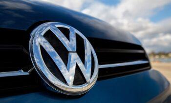 Η Volkswagen βρίσκεται κοντά στο να αποκαλυφθεί νέο σκάνδαλο γι' αυτήν, που θα έχει σχέση με την παραποίηση των ρύπων των οχημάτων της.