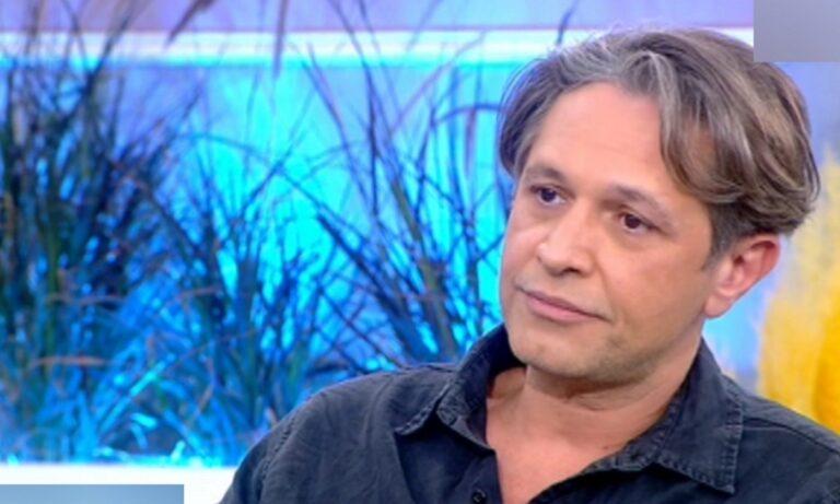 Ο Αιμίλιος Χειλάκης μίλησε για την απόφαση των καναλιών να «απαγορεύσουν» την προβολή των σίριαλ του Π. Φιλιππίδη.