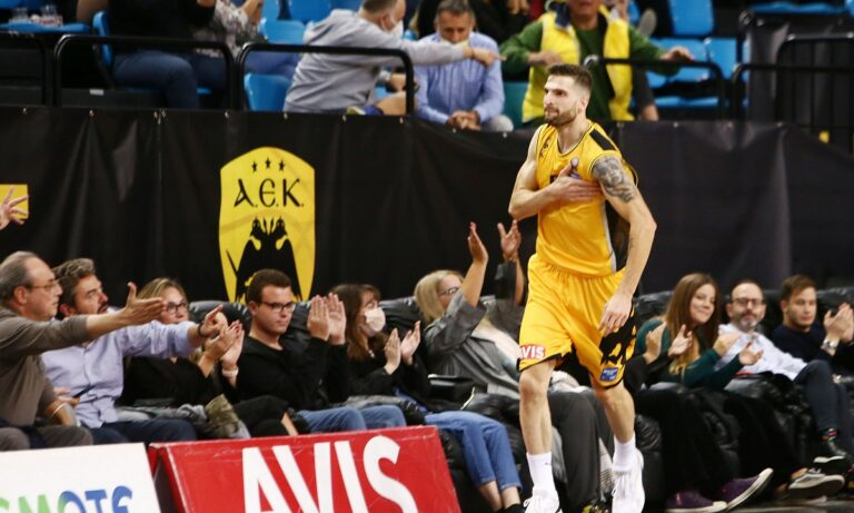 ΑΕΚ- Άρης 64-63: Ο Πετρόπουλος λύτρωσε την «Ένωση»