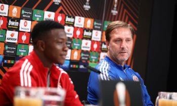 Ο Αγκιμπού Καμαρά ήταν ο παίκτης που μίλησε για το πως ετοιμάστηκε ο Ολυμπιακός για την αναμέτρηση με την Άιντραχτ Φρανκφούρτης.