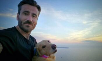 Ο παρουσιαστής Γιώργος Μαυρίδης περνάει δύσκολες ώρες, ο λόγος είναι πως πέθανε η 15χρονη Μόλυ.