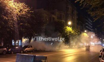 Επεισόδια ξέσπασαν το βράδυ του Σαββάτου στη Θεσσαλονίκη κατά τη διάρκεια πορείας διαμαρτυρίας για τον θάνατο του 20χρονου Ρομά στο Πέραμα.
