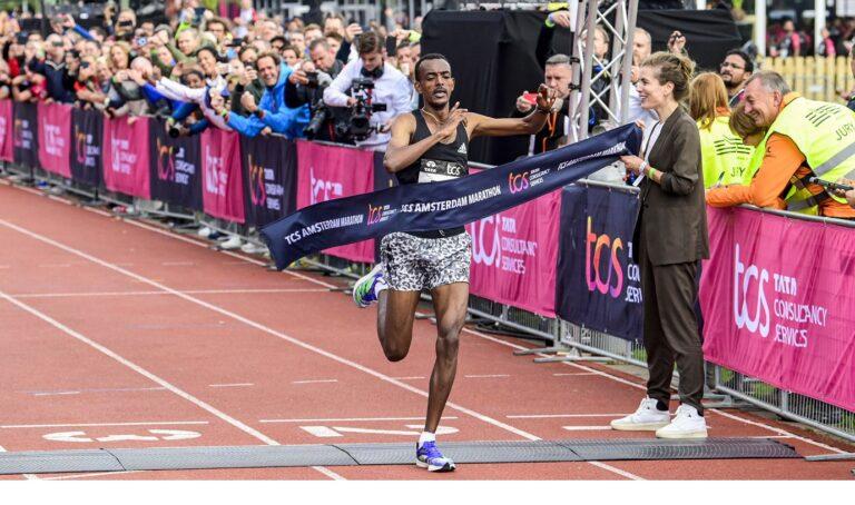 Ρεκόρ αγώνων και μεγάλες επιδόσεις στους Μαραθώνιους σε Άμστερνταμ και Παρίσι