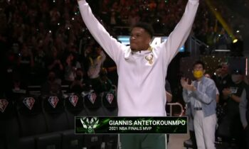 Γιάννης Αντετοκούνμπο: Αυτό είναι το δαχτυλίδι του πρωταθλητή!