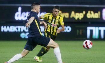Έγιναν γνωστές οι 11άδες με τις οποίες θα παραταχθούν Λαμία και Άρης στο μεταξύ τους παιχνίδι (20:30) για την 6η αγωνιστική της Super League.