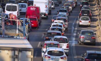 Αυτοκίνητα στην Αθήνα - Ο δακτύλιος επιστρέφει!