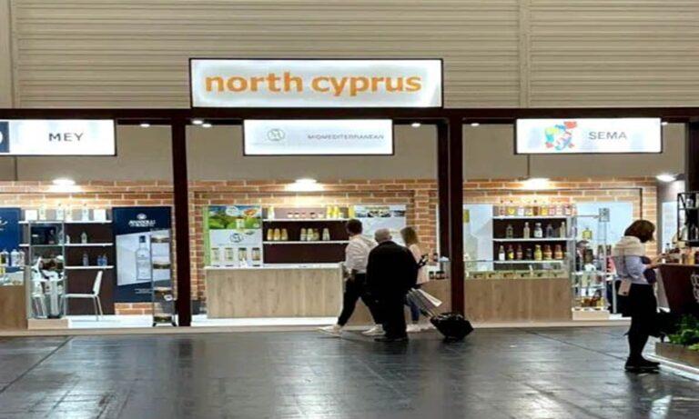 Προπαγανδιστικά περίπτερα «Βόρειας Κύπρου» και «Μακεδονίας» στήθηκαν σε διεθνή έκθεση στη Γερμανία – Ακούει κανείς στη κυβέρνηση;