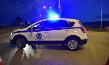 Η μεγάλη αστυνομική επιχείρηση για υπόθεση ναρκωτικών έβγαλε... λαβράκια, καθώς συνελήφθησαν λιμενικός και πέντε ακόμη άτομα.