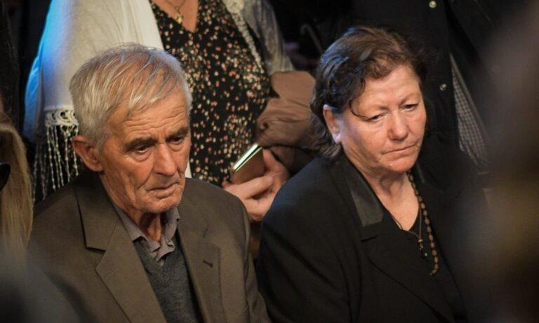 Γονείς Κατσίφα: «Να βοηθήσει ο πρωθυπουργός γιατί διψάμε για δικαίωση. Δεν ήταν αυτοκτονία – Ήταν δολοφονία» (vid)