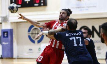 Ολυμπιακός και ΠΑΟΚ έκαναν το χρέος τους στα παιχνίδια που έδωσαν στο πλαίσιο της 6η αγωνιστικής της Handball Premier.
