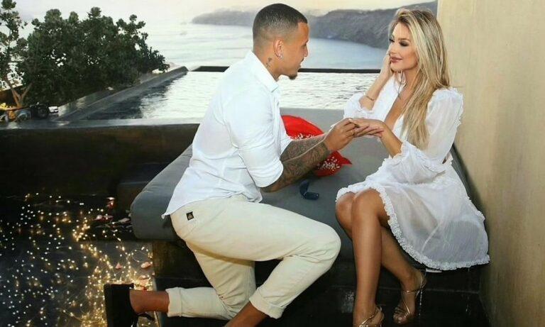 ΠΑΟΚ: Ο Σίντκλεϊ έκανε πρόταση γάμου στη Σαντορίνη – Είπε το «ναι» η πανέμορφη Ταΐς Πινέιρο (pics)