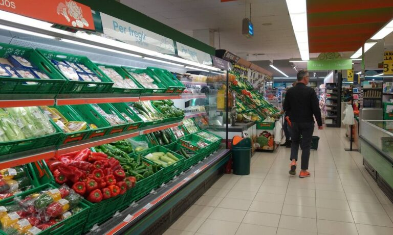 Κορονοϊός: Νέα μέτρα και ωράριο λειτουργίας σε σούπερ μάρκετ και λιανεμπόριο – Τι ισχύει από σήμερα