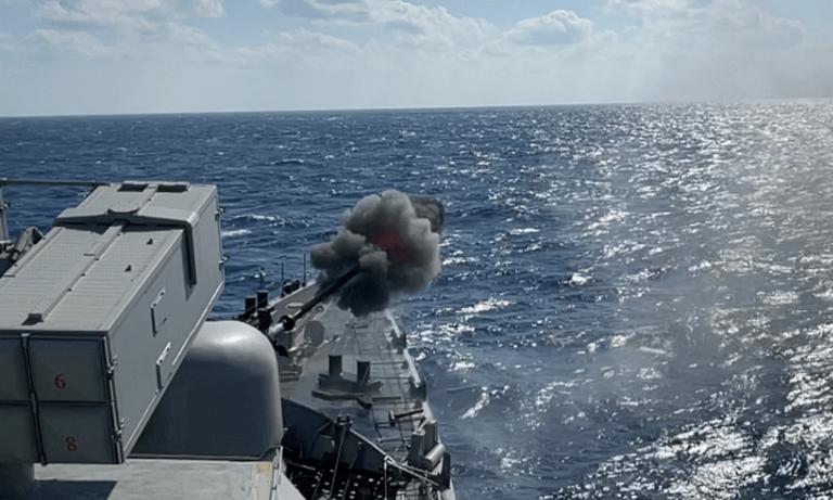Ελληνοτουρκικά: Επίδειξη δύναμης στο Αιγαίο – Ο ελληνικός στόλος σκόρπισε τον τρόμο (vid)